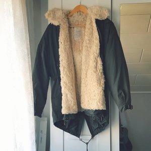 Zara Winterjacke khaki Teddyfell Jacke gefüttert dunkelgrün Parka
