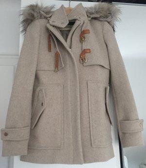 Zara Winterjacke mit Fellkragen in Größe XS