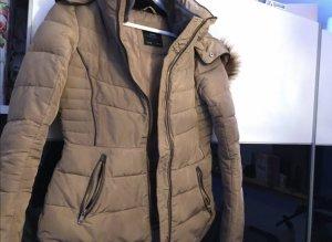 Zara Chaqueta de invierno marrón claro