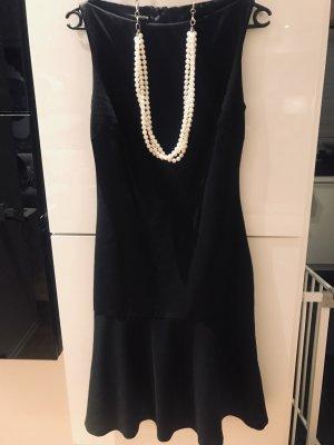 Zara Winterkleid im Chanel Look