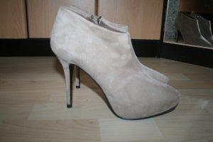 Zara Woman Ankleboots Plateau beige Gr. 40