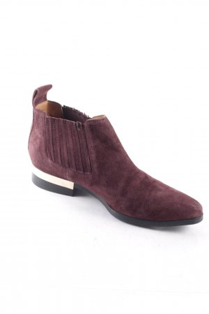 Zara Woman Chelsea Boots bordeauxrot Street-Fashion-Look