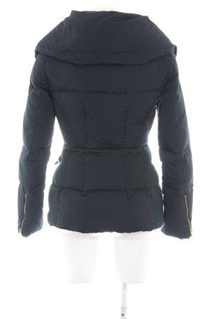 new style 28dba e1f2b Zara Woman Piumino nero stampa integrale stile casual