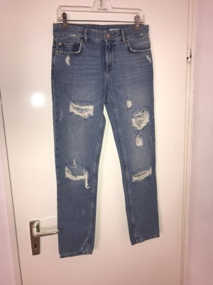 Zara Woman destroyed Jeans Medium Rise 34 relaxed fit