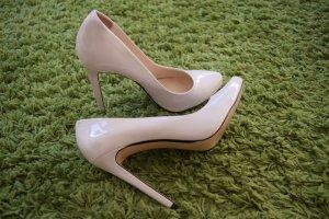 ZARA WOMAN High Heels Lack Schuhe in Gr. 40 beige/wollweiß - NEU!