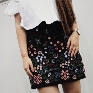 Zara Woman High Waist Rock florales Muster Street-Fashion-Look