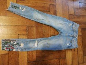 Zara Woman Jeans mit Blumenstickerei