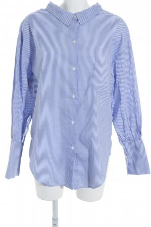 Zara Woman Langarmhemd hellblau-weiß Streifenmuster Street-Fashion-Look