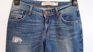 Zara Woman Premium Jeans, Röhre, Slim, Hellblau, used-look, destroyed, Gr. 36