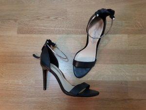 Zara Tacones altos negro-color plata