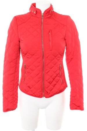 Zara Woman Quilted Jacket red quilting pattern casual look