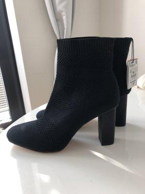 Zara Woman Stiefelletten/ Sock Boots NEU