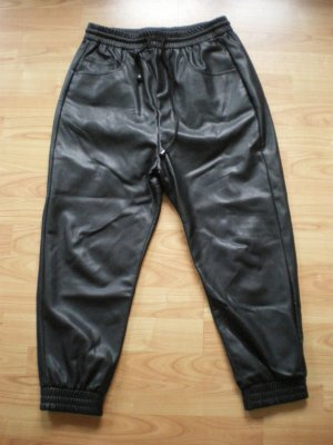 Zara Woman tolle Boyfrienhose in Fake-Leder in der Gr. M ******
