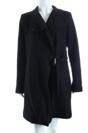 Zara Woman Wollmantel schwarz Street-Fashion-Look