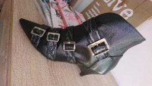 Zara100 %Leder Stiefeletten mit Spitze Größe 37