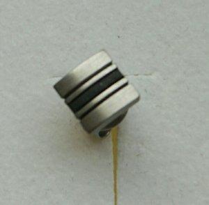 Zarte silber-schwarze Ohrstecker