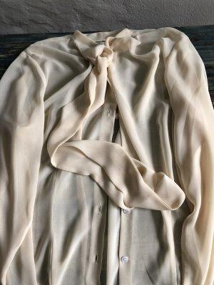 Zarte Taylormade-Bluse im Schluppendesign