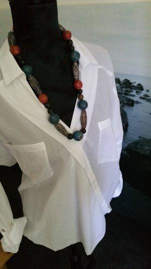Zarte transparente weiße Bluse