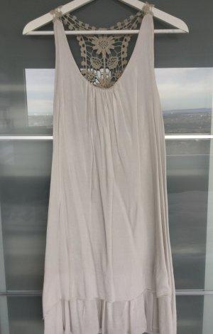 Zartes, crèmefarbenes Kleid mit Häkelspitze, Gr. M