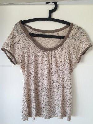 Zartes, feminines T-Shirt von Noa NOa