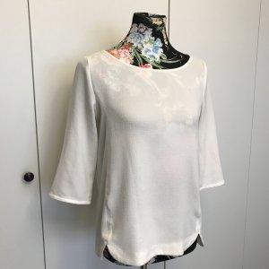 Zartes helles Shirt
