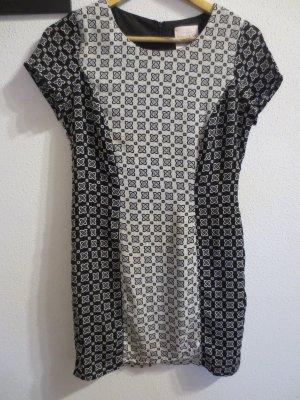 Zartes Kleid von Romeo&Juliet, NEU, nur 1x getragen, Gr. 36