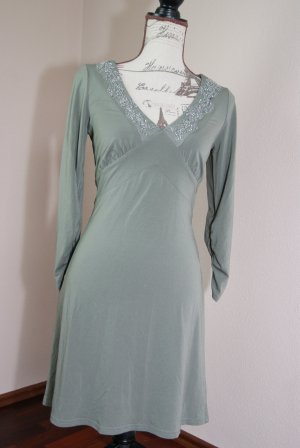zartgrünes Kleid von Jones, Ausschnitt mit Perlen bestickt Gr. 36