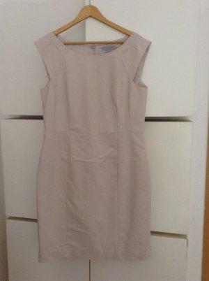 Zartrosa Etui Kleid - sehr elegant