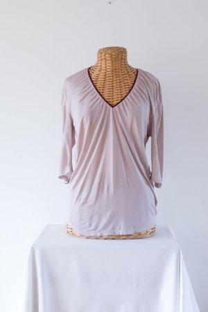 zartrosa farbenes T-shirt