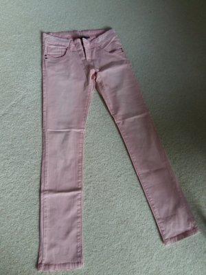 zartrosa Jeans