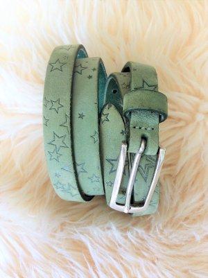 Zauberhafter schmaler Ledergürtel mit geprägten Sternen im Vintage-Look von Vanzetti