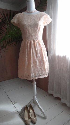 Zauberhaftes Kleidchen