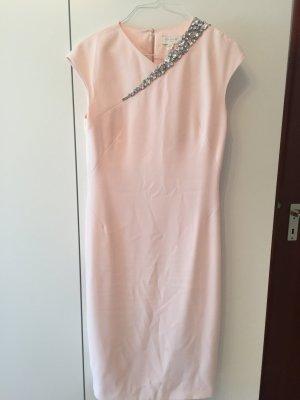 Zauberhaftes Ted Baker Kleid in Rosé