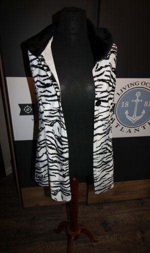 Long Knitted Vest black-white