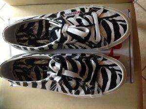 Zebra farbene superga