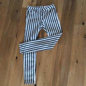 Zebra Streifenhose von Esprit mit langem Bein