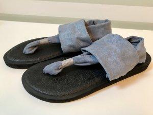 Sandalo toe-post azzurro