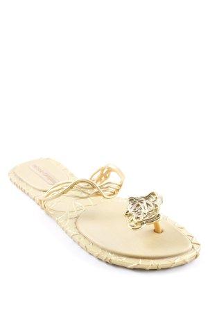 Sandalo infradito con tacco alto oro stile spiaggia