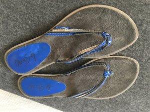 Zehensandale von Miss Sixty graues Wildleder mit Blau Metallic