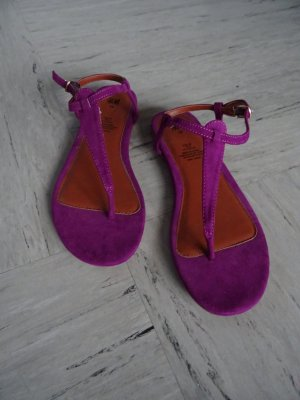Zehensandalen in violett