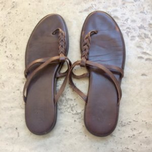 Hogan Sandalo toe-post marrone scuro Pelle