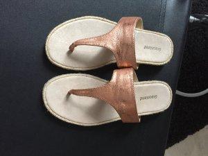 Graceland Sandalo toe-post color oro rosa
