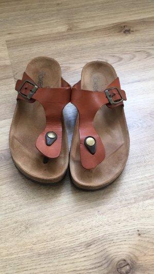 Sandalias con talón descubierto marrón-coñac