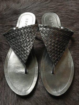 Zehentrenner -Sandale von Esprit, Größe 40, schwarz