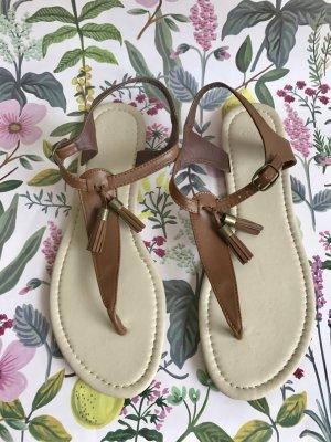 Zehentrenner-Sandalen mit Quasten