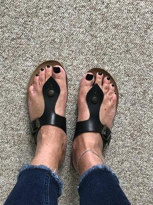 Pier one Sandalo toe-post nero Pelle