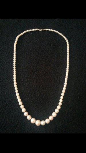 Zeitlose Perlenkette für jung und alt