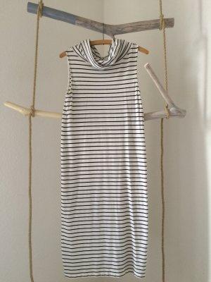 Zeitloses Jerseykleid mit Rollkragen von H&M