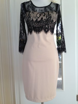 Zeitloses Kleid von Isassy
