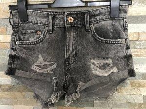 Zerfranste Hot-Pants von H&M in gr. Xs
